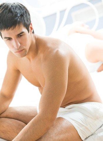 konzultáció férfiak erekciója miért fordult a pénisz oldalra