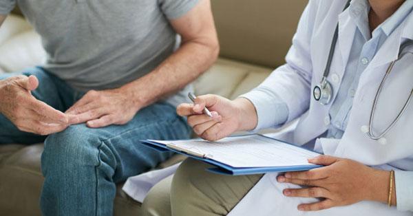 fájdalom a perineumban lévő erekció során merevedés rejtett hímtaggal