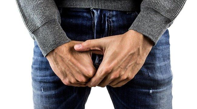 pénisz feszült